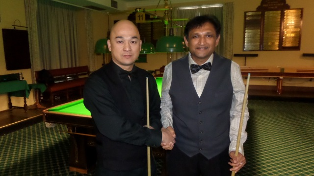 Raymond Fung (left) pictured with Ajeya Prabhakar just before the start of their semifinal - Photo © SnookerUSA.com